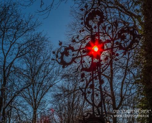 suedriedhof-kreuz-licht