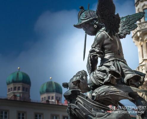 marienplatz-engel-mit-drachen (1 von 1)